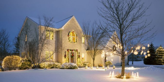 christmas-home-decoration-675x338 Top 10 Outdoor Christmas Light Ideas for 2018