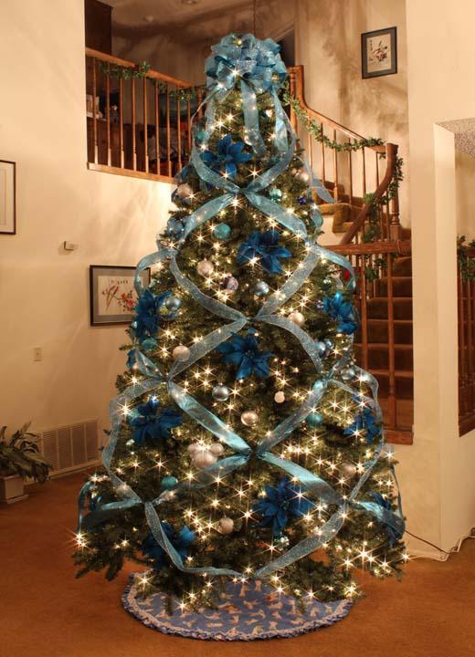 christmas-tree-ribbon-decor Top 10 Christmas Decoration Ideas & Trends 2021/2022