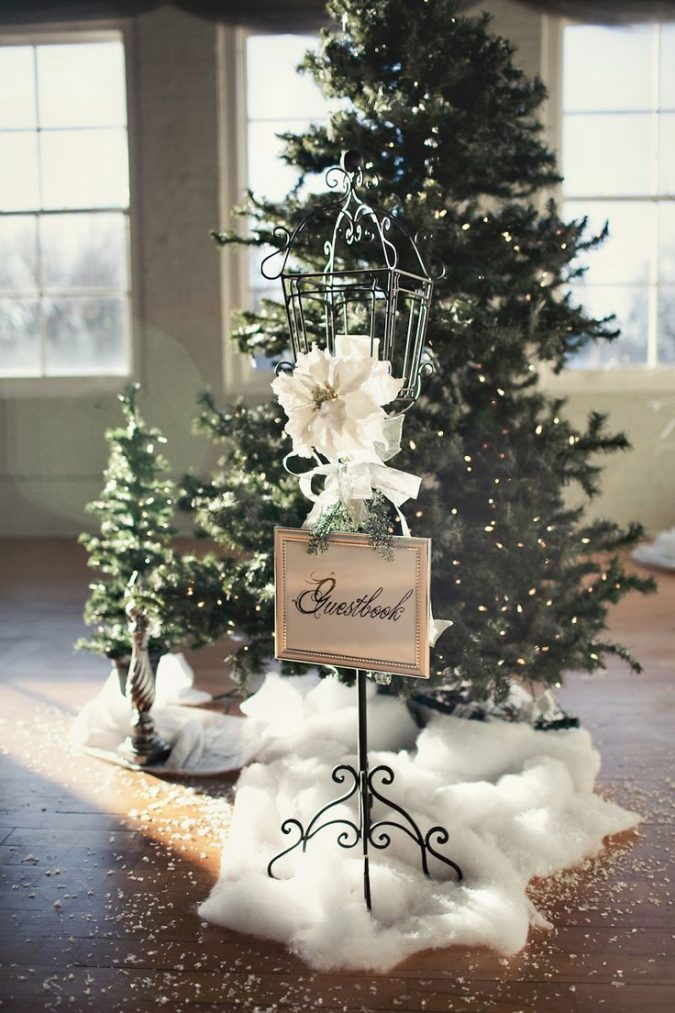 christmas-wedding-decorations-christmas-tree-675x1013 8 Festive Tips for a Christmas-Themed Wedding