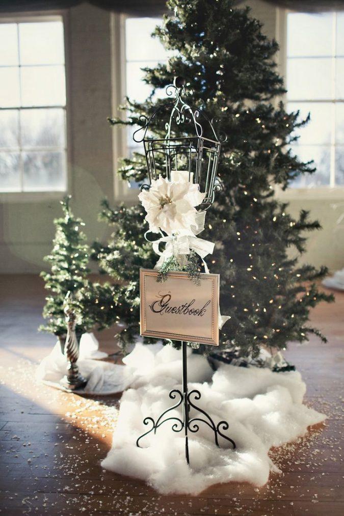 christmas-wedding-decorations-christmas-tree-675x1013 8 Festive Tips for a Christmas-Themed Wedding