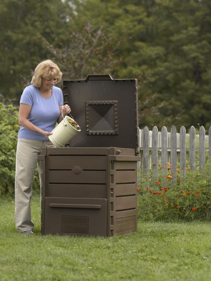 composter-2-675x900 How to Choose the Right Composter