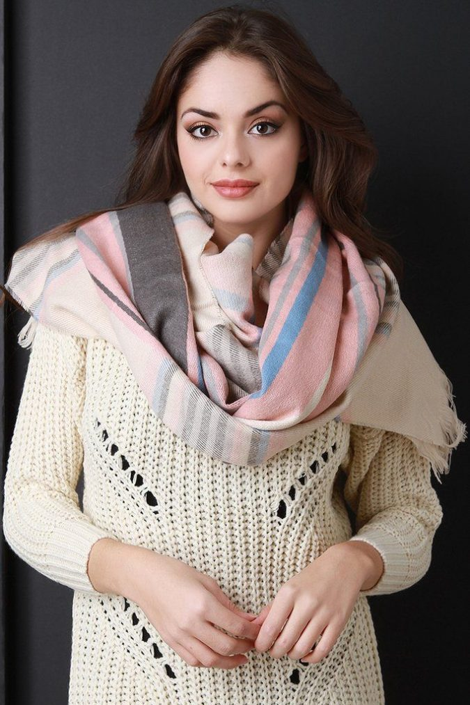 cozy-scarf-plaid-scarf-675x1013 +25 Catchiest Scarf Trends for Women in 2018