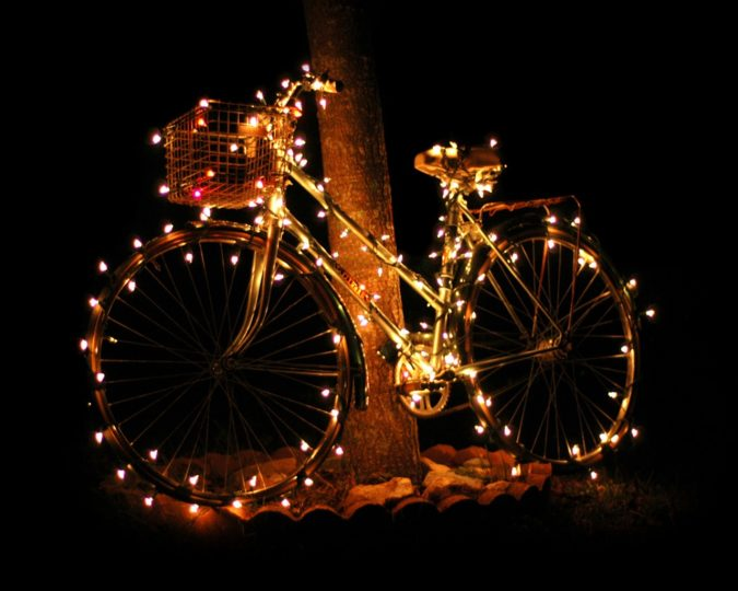 diy-christmas-lights-decoration-ideas-675x540 Top 10 Outdoor Christmas Light Ideas for 2020