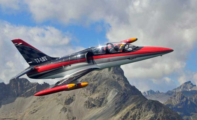 fighter-jet-flight-switzerland-675x412 10 Must-Have Christmas Gift Ideas for Men In 2020