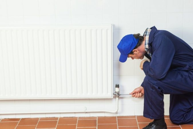 furnace-technician-2-675x450 Top 10 US Areas Need Furnace Repair services