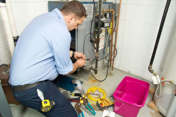 furnace-technician-furnace-repair-service-heating-installation-675x450 Top 10 US Areas Need Furnace Repair services