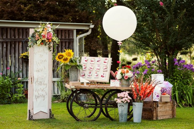garden-party-welcome-table-675x449 Top 10 Best Spring Party Ideas for 2018