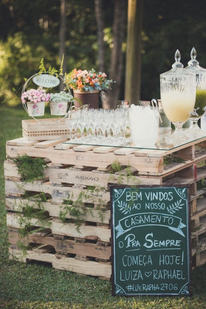 garden-party-welcome-table-and-drink-675x1013 Top 10 Best Spring Party Ideas for 2018