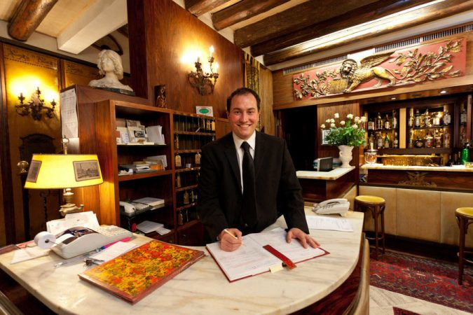 hotel-Venice-Hotelier-675x450 Top 10 Exclusive Tips to Find Cheapest Hotel Deals