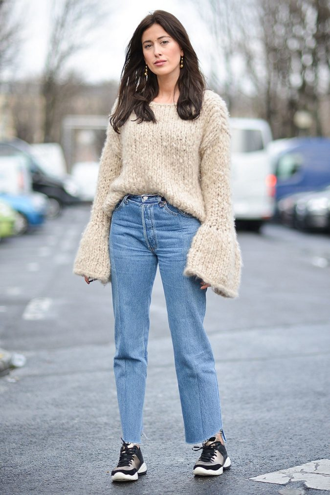 jeansss-675x1013 +7 Exclusive Fashion Tips For Petite Girls in 2018