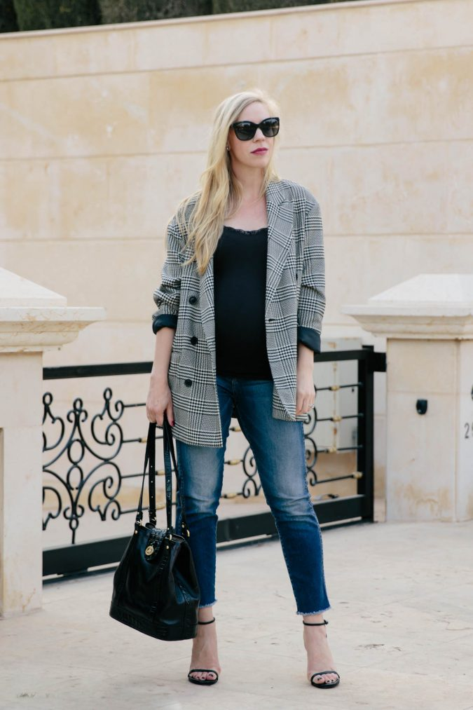 jeanssss-675x1013 +7 Exclusive Fashion Tips For Petite Girls in 2020