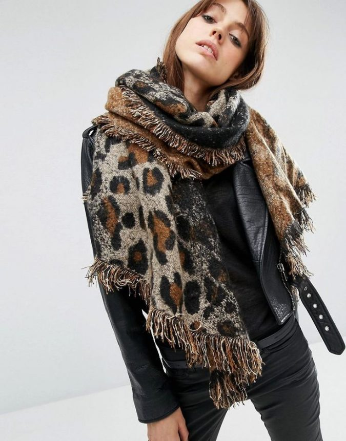 leopard-print-scarf-675x861 +25 Catchiest Scarf Trends for Women in 2018