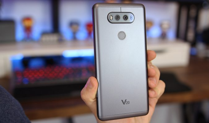 lg_v20_3-675x398 Top 10 Fabulous Christmas Gifts for Teens in 2018