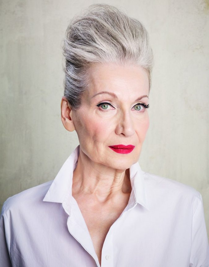 mature-makeup-Tanya-Mrs-Robinson-675x861 Top 10 Makeup Tricks to Look Younger