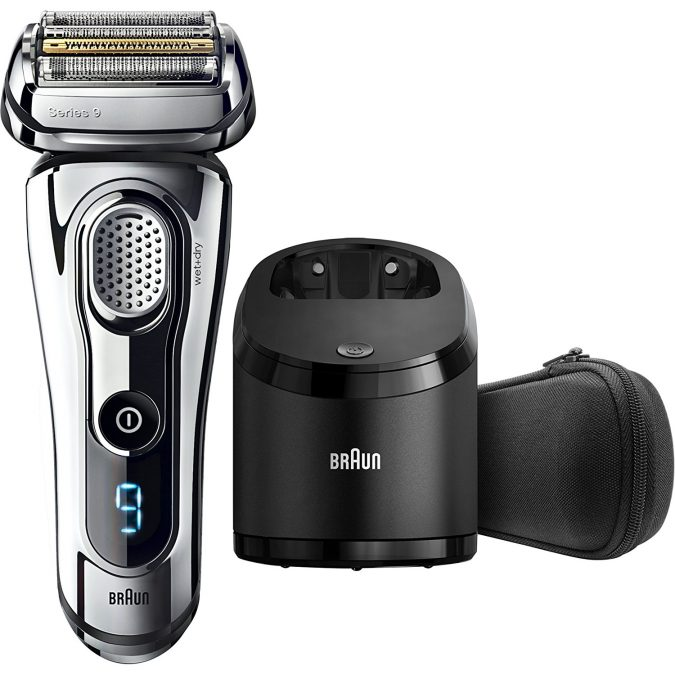 men-gifts-electric-Shaver-675x675 Top 10 Must-Have Men Christmas Gifts In 2018