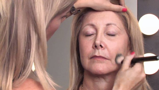middle-aged-woman-mature-makeup-675x380 Top 10 Makeup Tricks to Look Younger