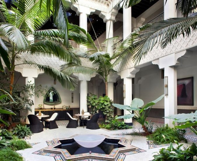 moroccan-style-home-garden-675x554 5 Most Inspiring Landscaping Ideas for 2020