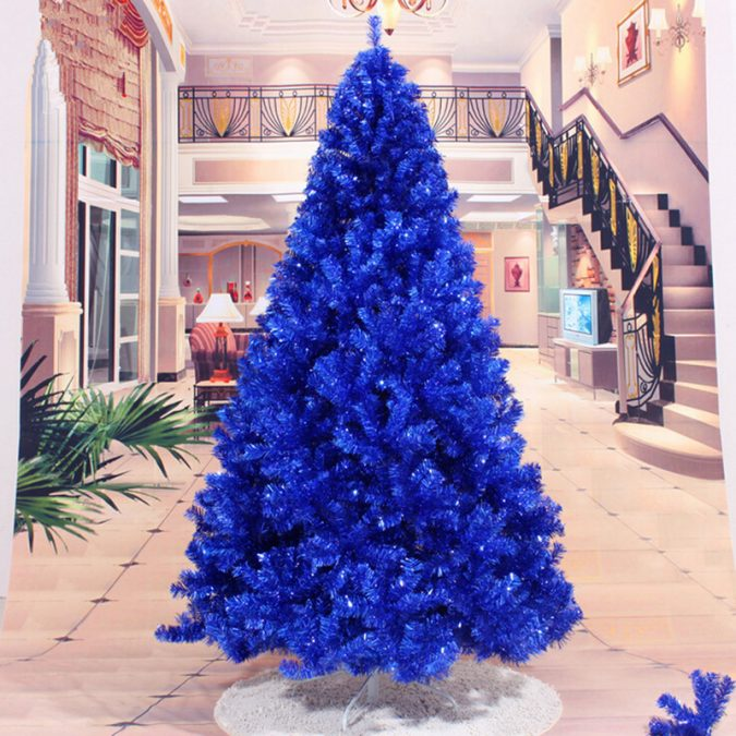 navy blue christmas tree 675x675 top 10 christmas decoration ideas trends