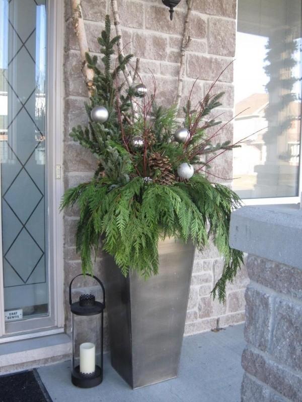 outdoor-Christmas-decoration-109 91+ Adorable Outdoor Christmas Decoration Ideas in 2020
