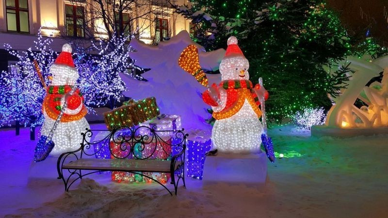 outdoor-Christmas-decoration-122 91+ Adorable Outdoor Christmas Decoration Ideas 2018