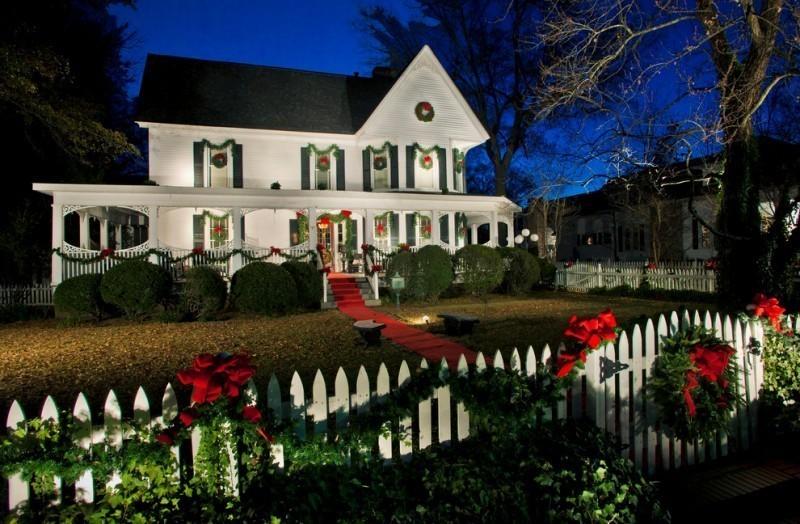 outdoor-Christmas-decoration-124 91+ Adorable Outdoor Christmas Decoration Ideas in 2020