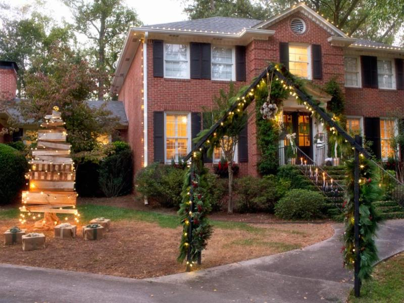 outdoor-Christmas-decoration-132 91+ Adorable Outdoor Christmas Decoration Ideas 2018
