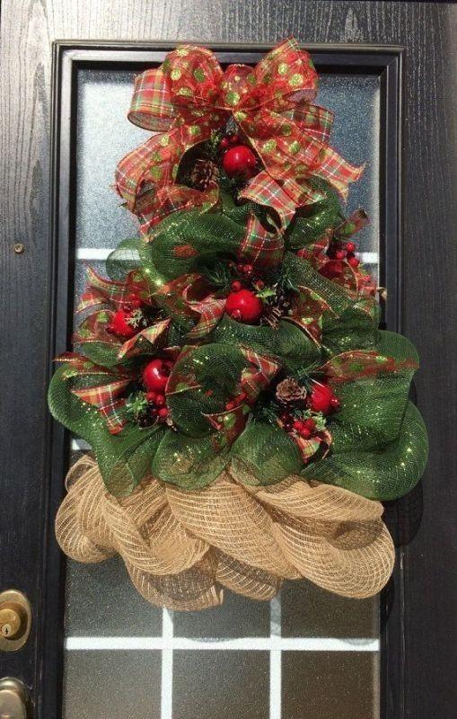 outdoor-Christmas-decoration-14 91+ Adorable Outdoor Christmas Decoration Ideas in 2020