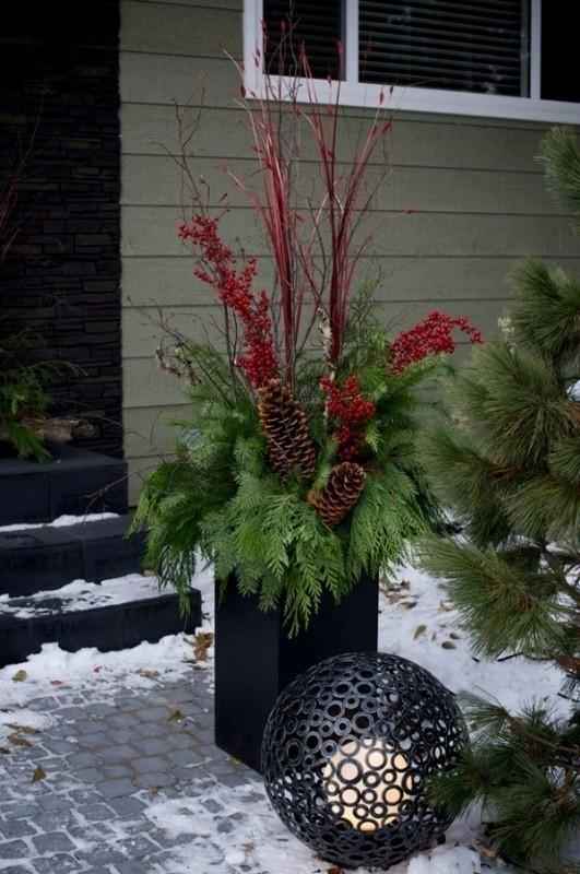 outdoor-Christmas-decoration-21 91+ Adorable Outdoor Christmas Decoration Ideas in 2020