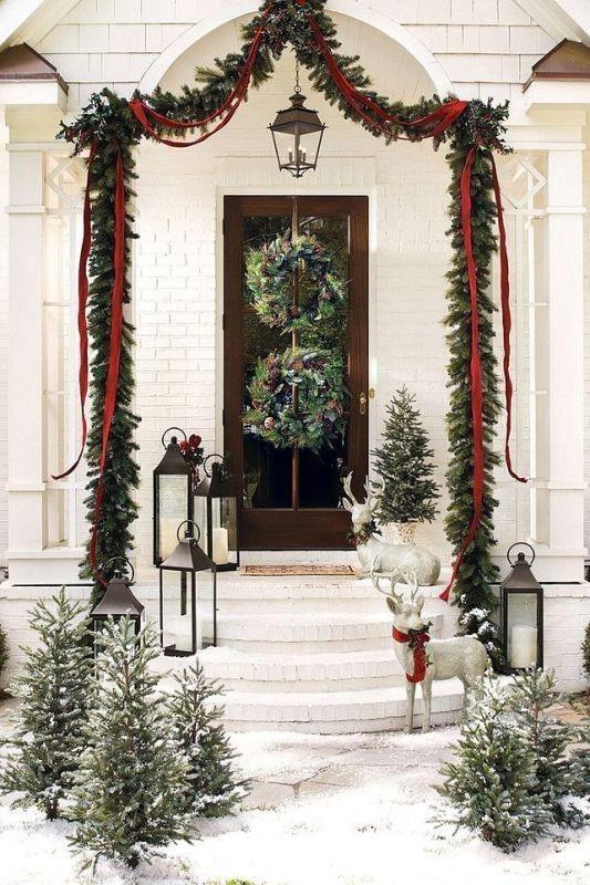outdoor-Christmas-decoration-28 91+ Adorable Outdoor Christmas Decoration Ideas in 2020