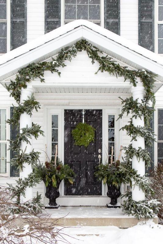 outdoor-Christmas-decoration-37 91+ Adorable Outdoor Christmas Decoration Ideas in 2020