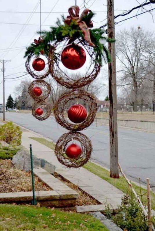 outdoor-Christmas-decoration-38 91+ Adorable Outdoor Christmas Decoration Ideas in 2020
