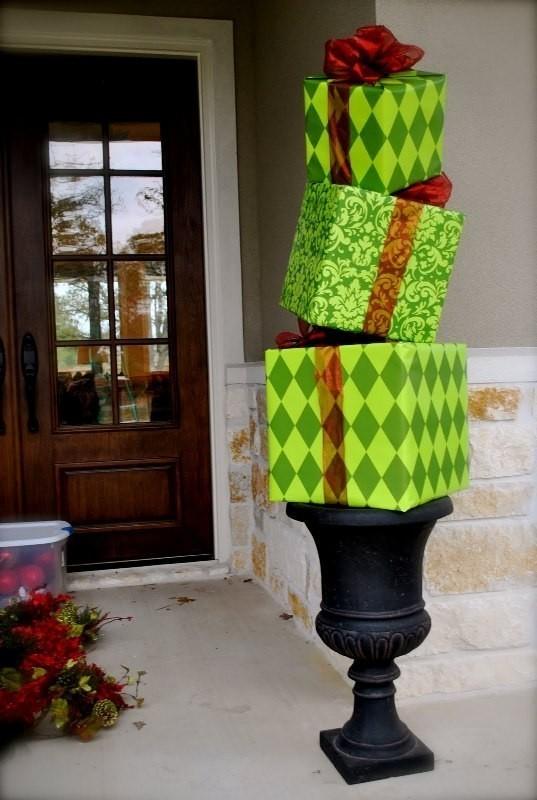 outdoor-Christmas-decoration-40 91+ Adorable Outdoor Christmas Decoration Ideas in 2020