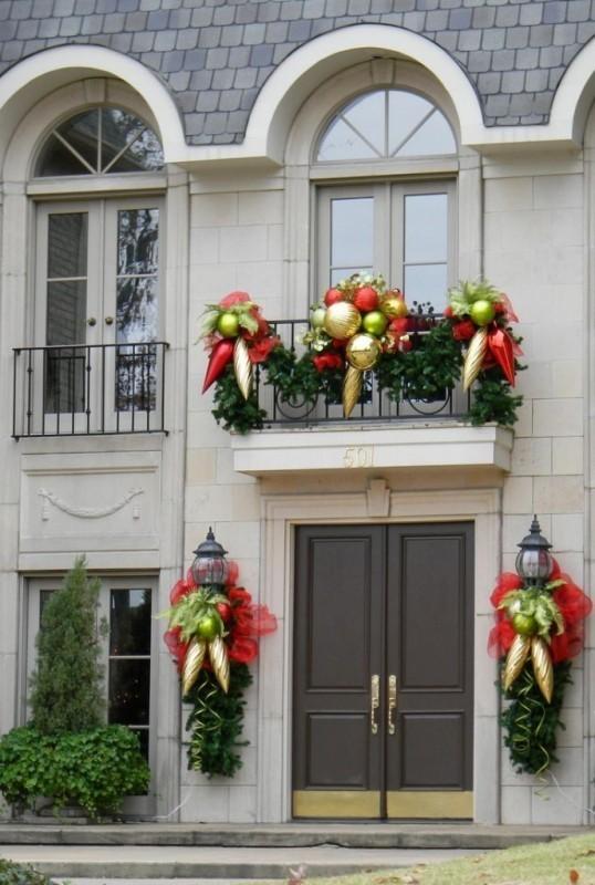 outdoor-Christmas-decoration-42 91+ Adorable Outdoor Christmas Decoration Ideas in 2020