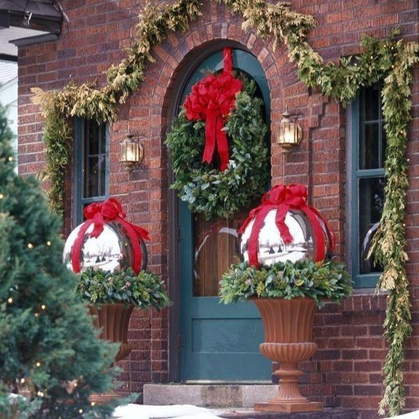 outdoor-Christmas-decoration-57 91+ Adorable Outdoor Christmas Decoration Ideas 2018