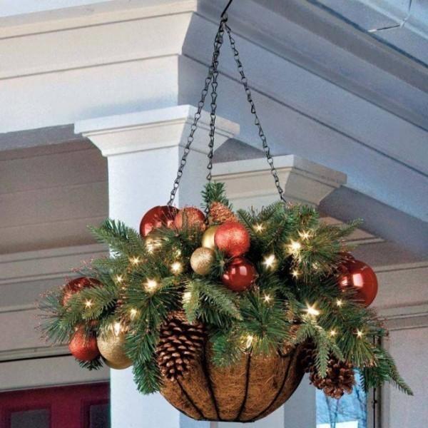 outdoor-Christmas-decoration-66 91+ Adorable Outdoor Christmas Decoration Ideas in 2020