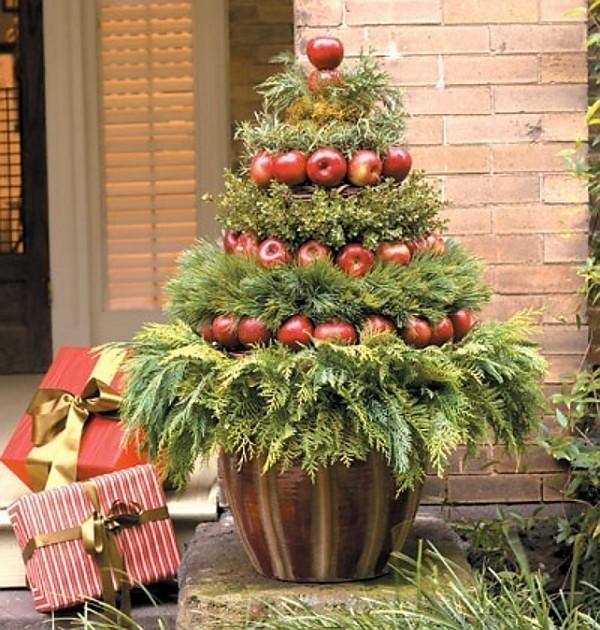 outdoor-Christmas-decoration-69 91+ Adorable Outdoor Christmas Decoration Ideas in 2020