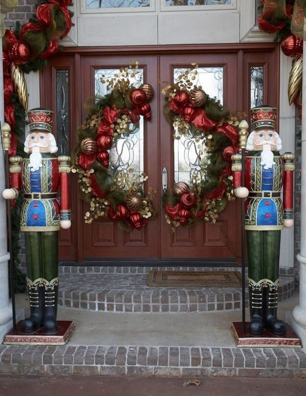 outdoor-Christmas-decoration-88 91+ Adorable Outdoor Christmas Decoration Ideas in 2021/2022