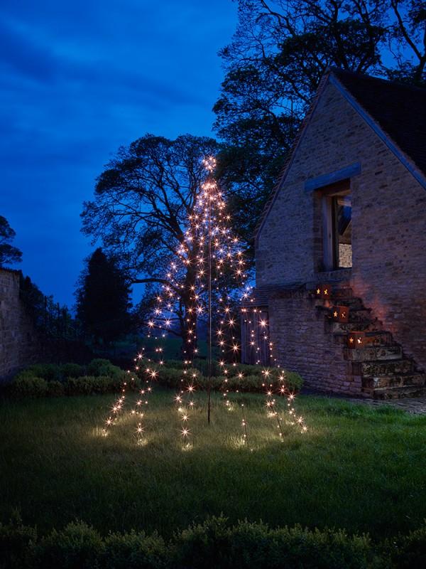 outdoor-Christmas-light-decoration-ideas-103 98+ Magical Christmas Light Decoration Ideas for Your Yard