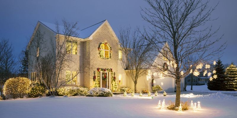 outdoor-Christmas-light-decoration-ideas-128 98+ Magical Christmas Light Decoration Ideas for Your Yard