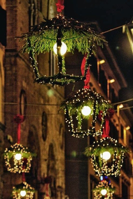 outdoor-Christmas-light-decoration-ideas-13 98+ Magical Christmas Light Decoration Ideas for Your Yard