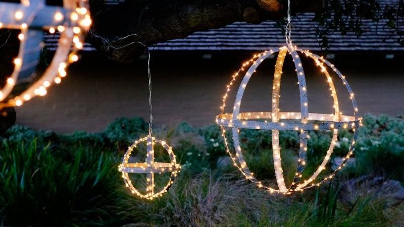 outdoor-Christmas-light-decoration-ideas-132 98+ Magical Christmas Light Decoration Ideas for Your Yard