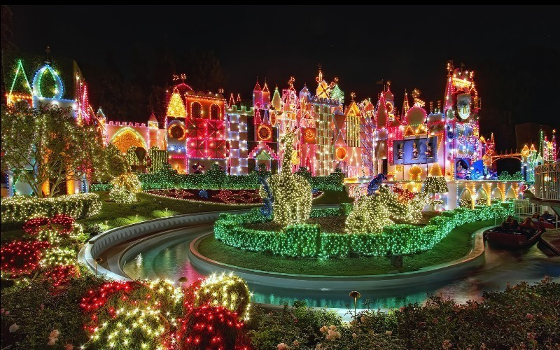 outdoor-Christmas-light-decoration-ideas-136 98+ Magical Christmas Light Decoration Ideas for Your Yard