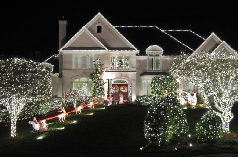 outdoor-Christmas-light-decoration-ideas-141 98+ Magical Christmas Light Decoration Ideas for Your Yard 2018