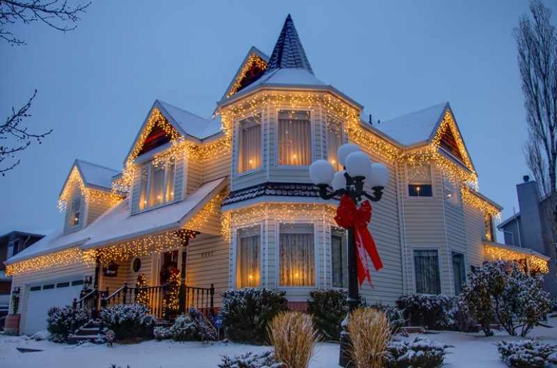 outdoor-Christmas-light-decoration-ideas-142 98+ Magical Christmas Light Decoration Ideas for Your Yard