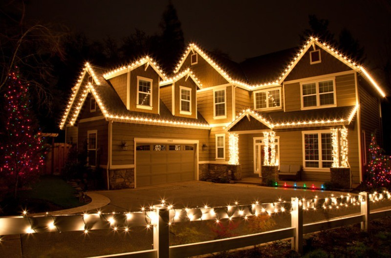 outdoor-Christmas-light-decoration-ideas-143 98+ Magical Christmas Light Decoration Ideas for Your Yard 2018