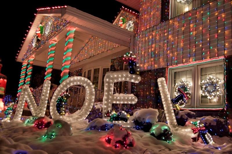 outdoor-Christmas-light-decoration-ideas-147 98+ Magical Christmas Light Decoration Ideas for Your Yard