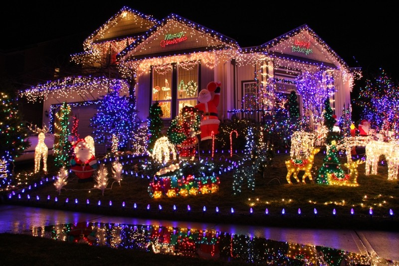 outdoor-Christmas-light-decoration-ideas-151 98+ Magical Christmas Light Decoration Ideas for Your Yard 2018