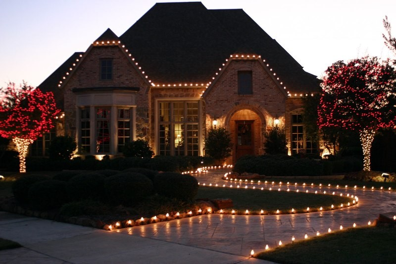 outdoor-Christmas-light-decoration-ideas-153 98+ Magical Christmas Light Decoration Ideas for Your Yard 2018