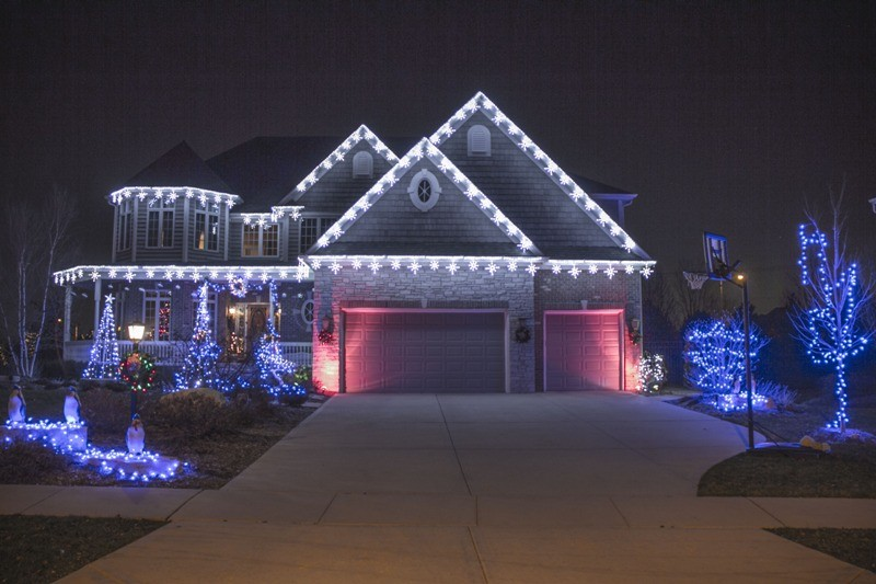 outdoor-Christmas-light-decoration-ideas-156 98+ Magical Christmas Light Decoration Ideas for Your Yard 2018