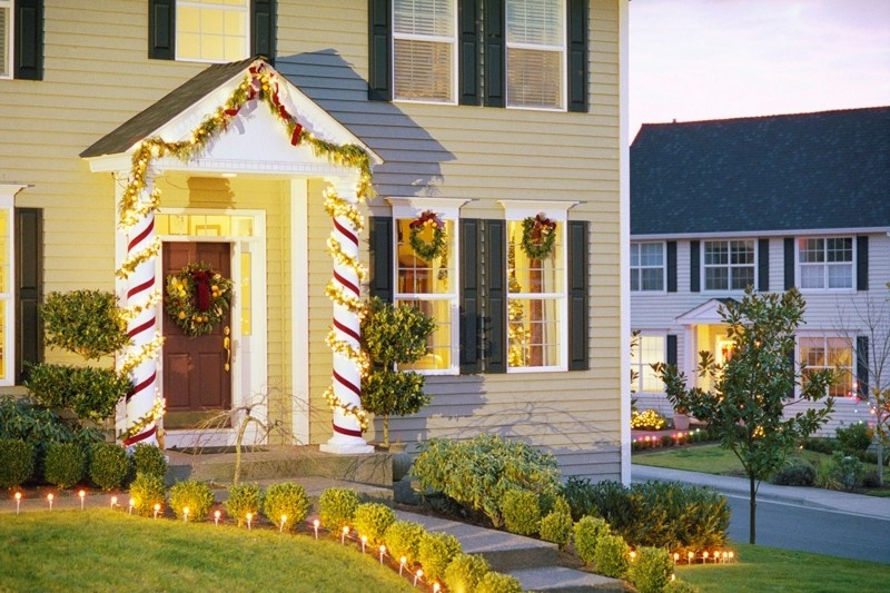 outdoor-Christmas-light-decoration-ideas-157 98+ Magical Christmas Light Decoration Ideas for Your Yard 2018